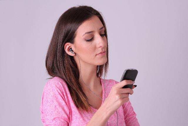 Amazonプライムミュージックを通信量なしで聴く方法│ダウンロードすればオフライン再生できてWi-Fiのないところでも安心だよ